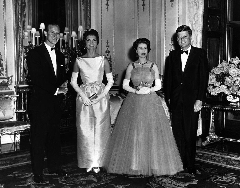 Queen Elizabeth and Prince Philip host Queen's Dinner for President and Mrs. Kennedy