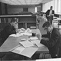 RK Economische Hogeschool in Tilburg, het interieur van de school, Bestanddeelnr 914-4955.jpg