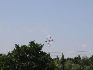 Redarrows 1 - Flickr - edvvc.jpg