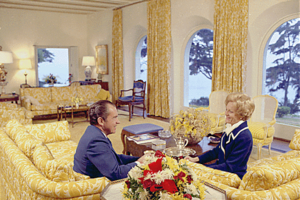 La Casa Pacifica - President Richard and first lady Pat Nixon in the living room, 1971