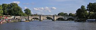 Richmond Bridge, London - Image: Richmond 018 Richmond Bridge TT panorama