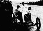 Robert Benoist vainqueur du Grand Prix automobile de l'U.M.F. Cyclecars au Mans en 1922 sur Salmson VAL.jpg