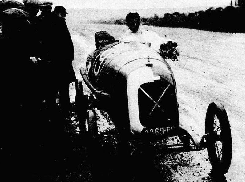 File:Robert Benoist vainqueur du Grand Prix automobile de l'U.M.F. Cyclecars au Mans en 1922 sur Salmson VAL.jpg