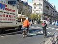 Rue St-Antoine, pictos vélo, vélib'53.JPG