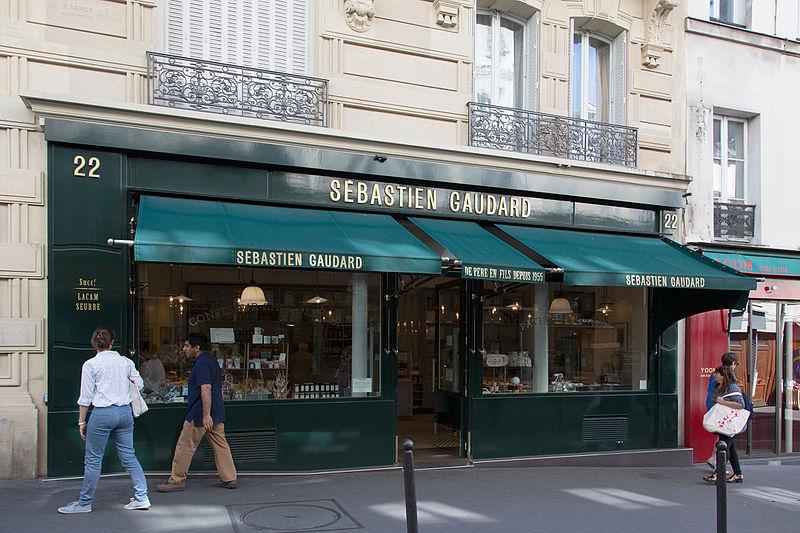 File:Sébastien Gaudard, 22 Rue des Martyrs, 75009 Paris, August 2015.jpg