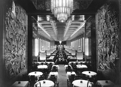 SS Normandie (ship, 1935) interior.jpg