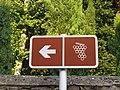 Saint-Lager - Panneau route des vins à gauche (août 2018).jpg