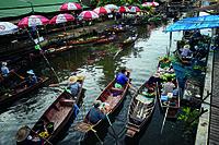 Samutsongkram Tha Kha Floating Market 2.jpg