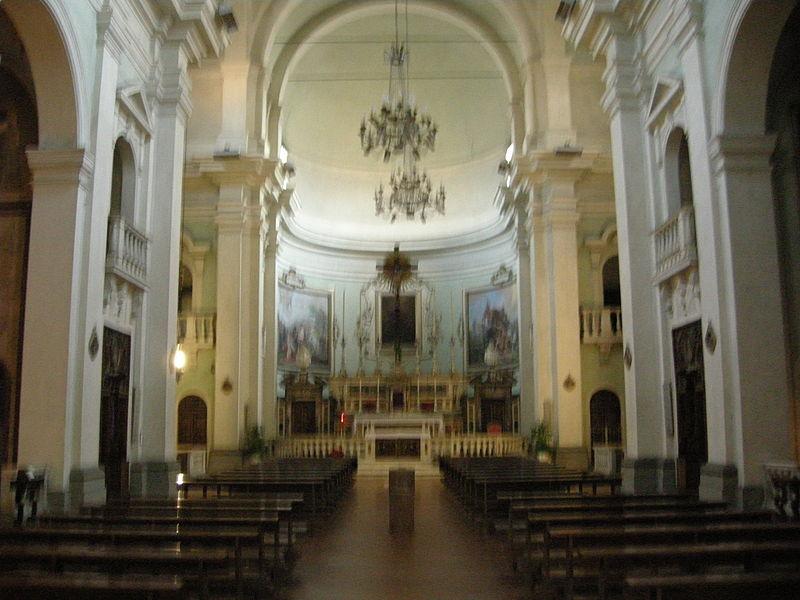 File san paolino interno 01 jpg wikipedia for Interno help