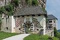 Sankt Georgen am Längsee Burg Hochosterwitz 01 Fähnrichtor und 02 Wächtertor 01062015 4237.jpg