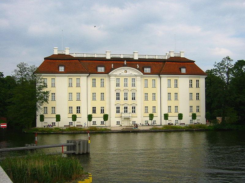 File:Schloss Köpenick 1.jpg