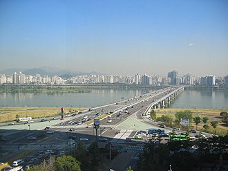 Mapo Bridge - Image: Seoul Han.River 01