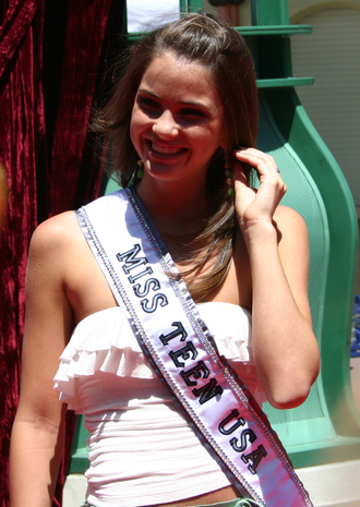 Shelley Hennig - Hennig making an appearance days after winning the Miss Teen USA title, August 7, 2004