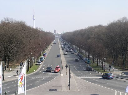 How to get to Straße Des 17. Juni with public transit - About the place