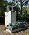 Siegfried Neuenhausen - Solidaritaet mit den Trauernden 04.jpg