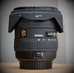 Sigma 10-20mm F4-5.6 EX DC HSM wide-angle zoom lens.jpg