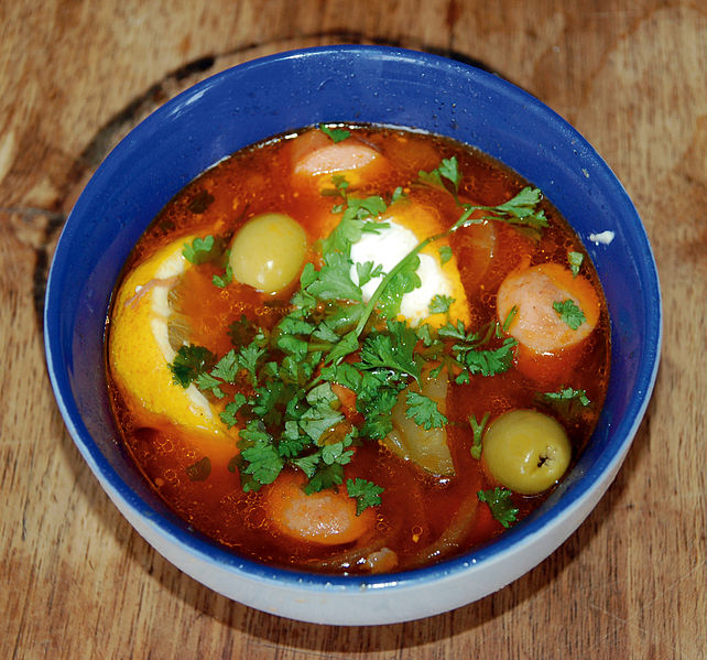 File:Soljanka with olives.jpg