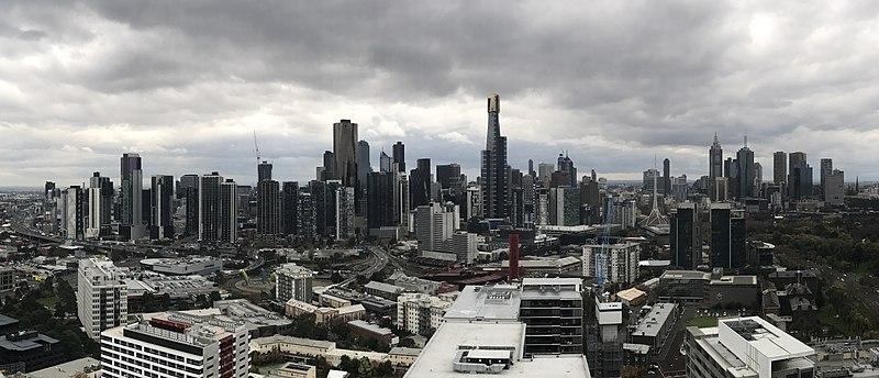 Southbank-Melbourne CBD panorama, May 2017 01.jpg
