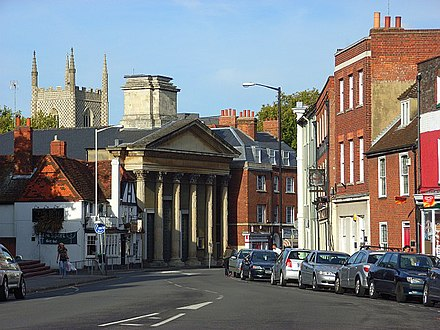 Reading, England, is a large town which has unsuccessfully tried to become a city. St Mary's Church, Castle Street 1.jpg