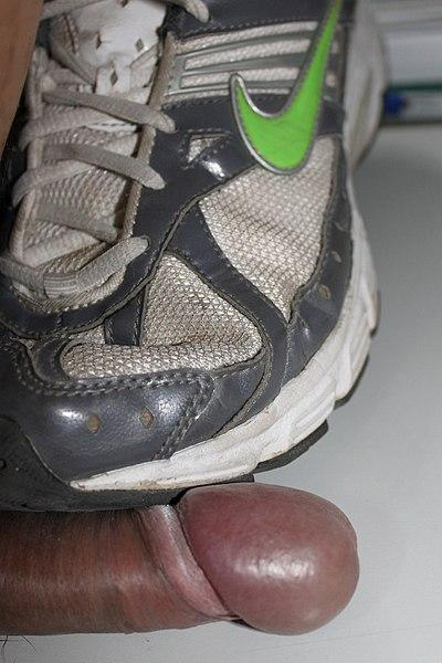 File:Step on the penis (Footjob) 1.jpg