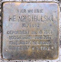 Photo of Heinz Cibulski brass plaque