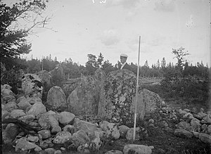 Stone ship at Ollajvs, Gotland, 1919.jpg