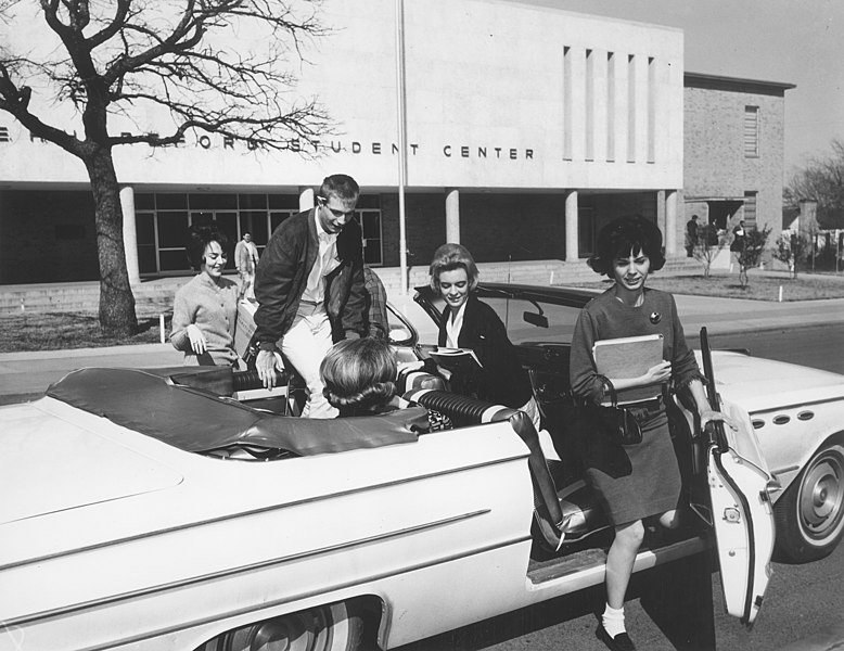 File:Students in convertible car outside E.H. Hereford Student Center, Arlington State College (10004464).jpg Description English: Students in convertible car outside E.H. Hereford Student Center, Arlington State College. DateUnknown date SourceUTA Libraries Digital Gallery AuthorUniversity of Texas at Arlington News Service Photograph Collection