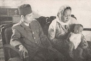 Sudirman - Sudirman and his wife Alfiah with their youngest son, 1949