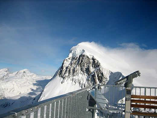 View from the observation deck of the Klein Matterhorn, at 3883 metres above sea level Summit.jpg