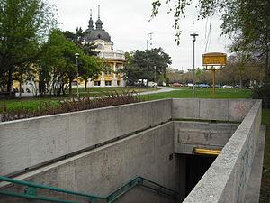 Széchenyi fürdő (Budapest Metro) - Image: Széchenyi fürdő metro station outside