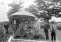 Szerecseny 1910, földmérők, középen egy mérőasztal távcsöves vonalzóval. Fortepan 2800.jpg