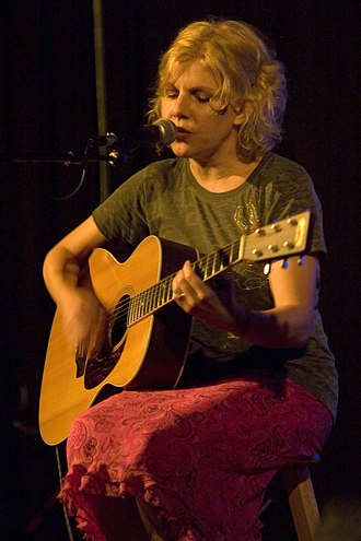 Tanya Donelly - Image: Tanya Donelly Brattle Theater, vertical 2007 10 06