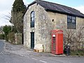 Telephone box, Tisbury - geograph.org.uk - 1746628.jpg