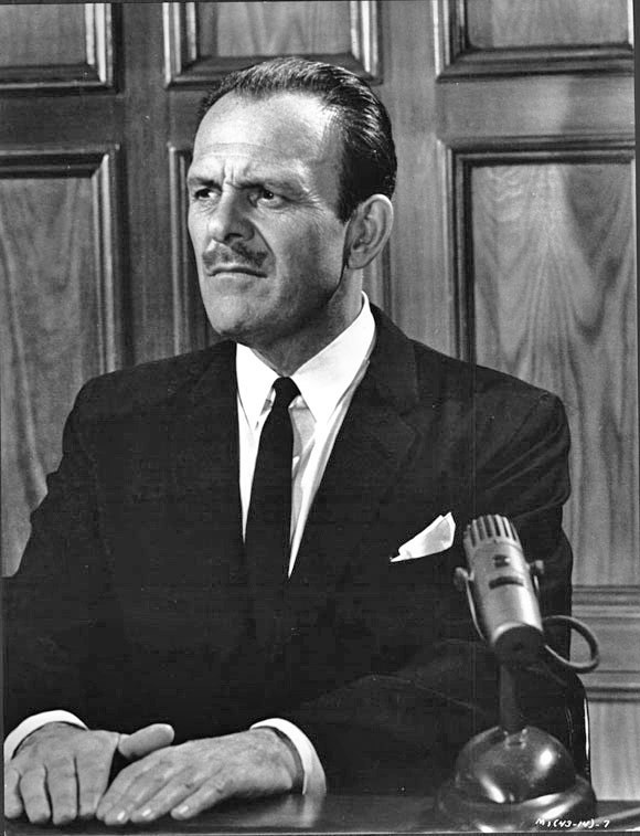 Terry-Thomas in How to murder your wife