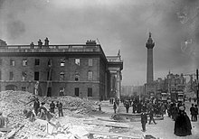 De schaal van de GPO op Sackville Street na de Easter Rising (6937669789) .jpg