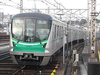 Tokyo Metro 16000 series - Image: Tokyo Metro 16103 Yoyogi uehara 20110704