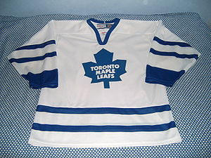 Toronto Maple Leafs' ice hockey jersey.