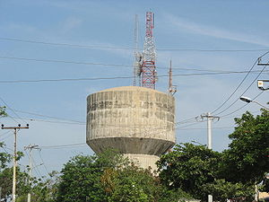 Torres de Comunicaciones en el Tanque de las D...
