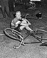 Tour de France. Ploeg in Olympisch Stadion. Nieuwe gezichten Henk Stevens en Ad, Bestanddeelnr 905-8086.jpg