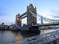 Tower Bridge in twilight (10045388196).jpg
