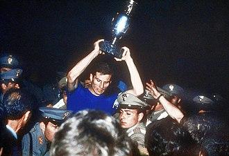 Giacinto Facchetti - Italian captain Facchetti with the Euro 1968 trophy