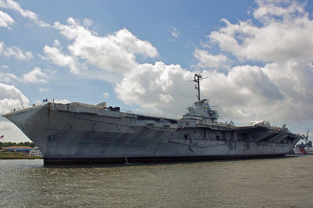 USS Yorktown CV-10 Patriots Point.jpg