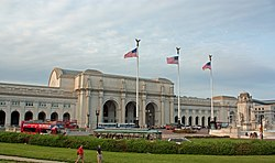 Union Station from Columbus Circle, Washington, D.C. 2011.jpg