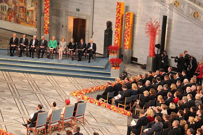 File:V.Dombrovskis piedalās Nobela miera prēmijas pasniegšanas ceremonijā (8261197802).jpg