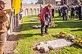 VOS aan de IJzer (29 september 2018). Jaarlijkse bloemenhulde ter ere van de gesneuvelde Vlaamse frontsoldaten. Foto van Lambert Derenette.jpg