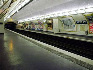 Vaneau (Paris Métro) - Image: Vaneau metro quai 01