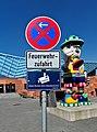 Verkehrszeichen an Freiheitshalle 20200407 02.jpg