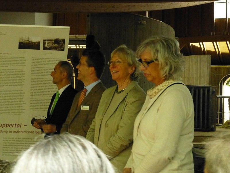 File:Verleihung der EGHN-Plakette an den Zoo Wuppertal 033.jpg