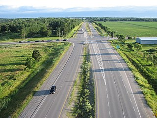 Limited-access road high-speed road with many characteristics of a controlled-access highway (freeway or motorway)