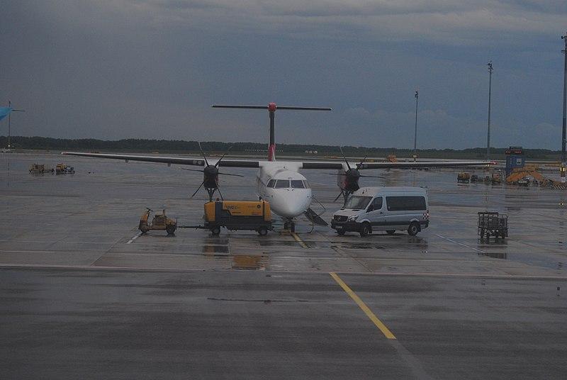 File:Vienna International Airport - 2018-05-08 - Andy Mabbett - 04.jpg